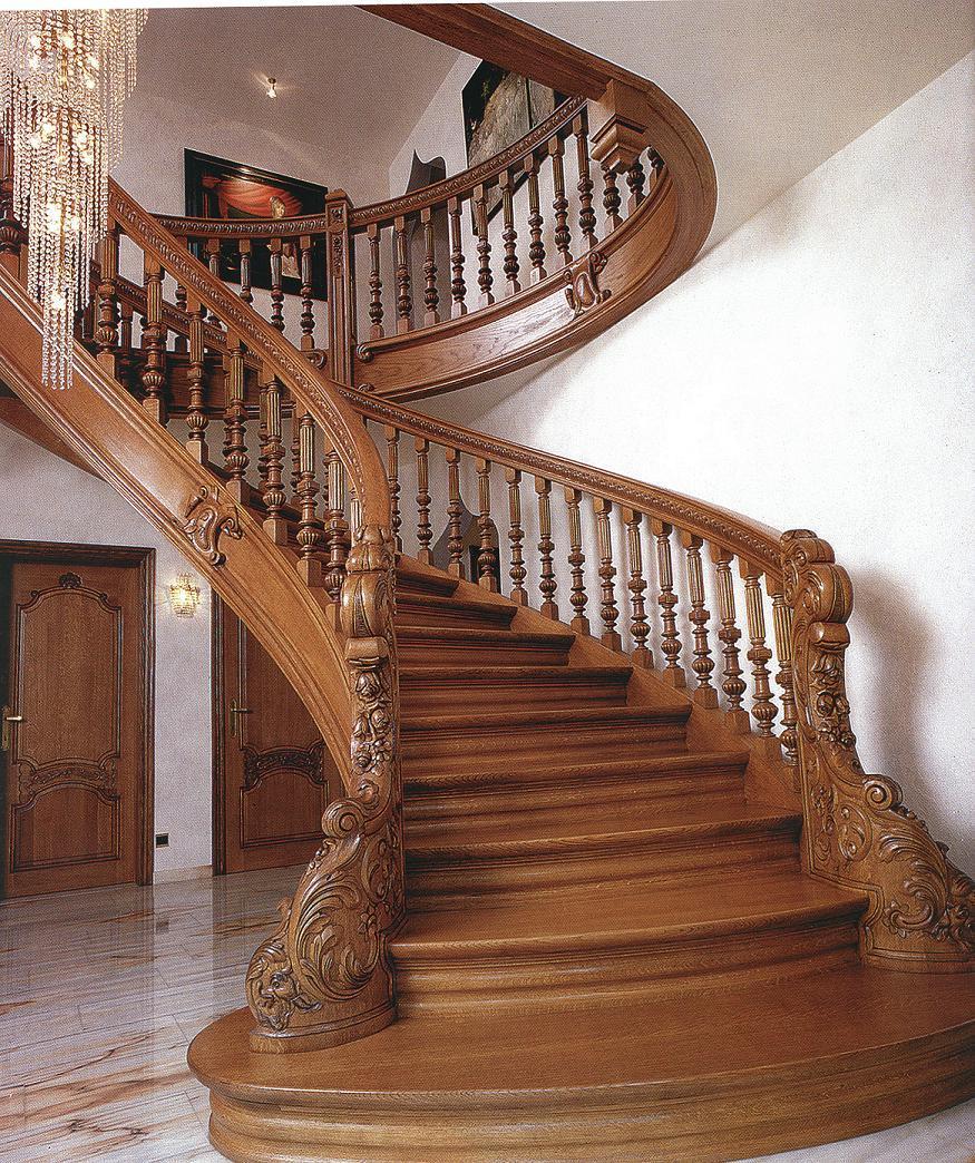 Какую конструкцию лестницы из дерева выбрать?